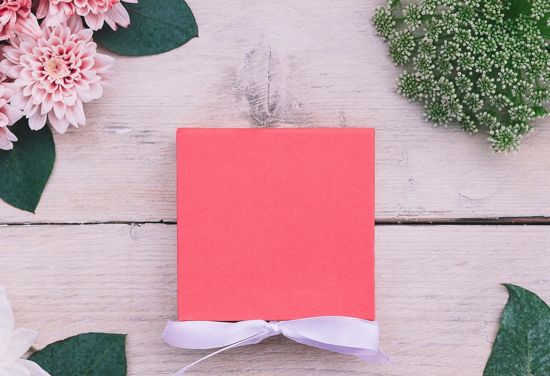 ピンクの箱